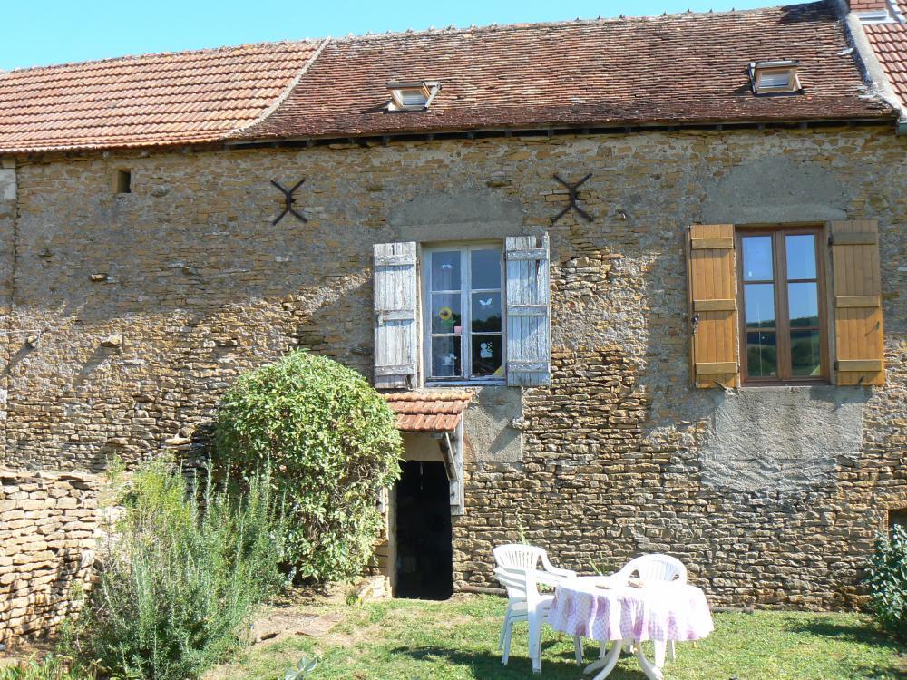 C t bourgogne agence immobili re achat vente immobilier en bourgogne du sud maisons anciennes - Recherche petite maison a louer avec jardin ...